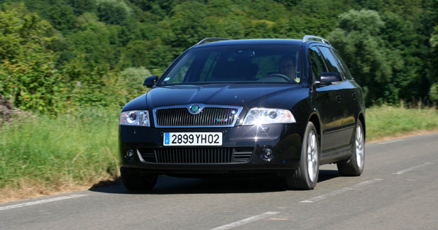 essai skoda octavia combi rs sobre sportive. Black Bedroom Furniture Sets. Home Design Ideas