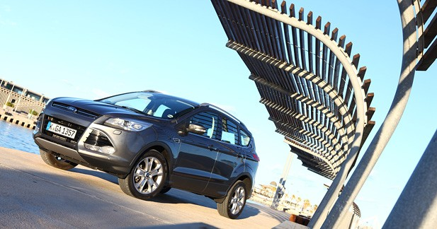 essai ford kuga 2 0 tdci 163 ch 4x4 titanium coup gagnant. Black Bedroom Furniture Sets. Home Design Ideas