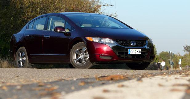 Essai Honda FCX Clarity : l'auto du futur