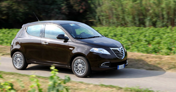 2011 lancia ypsilon 1 2 stop start related infomation specifications weili automotive network. Black Bedroom Furniture Sets. Home Design Ideas