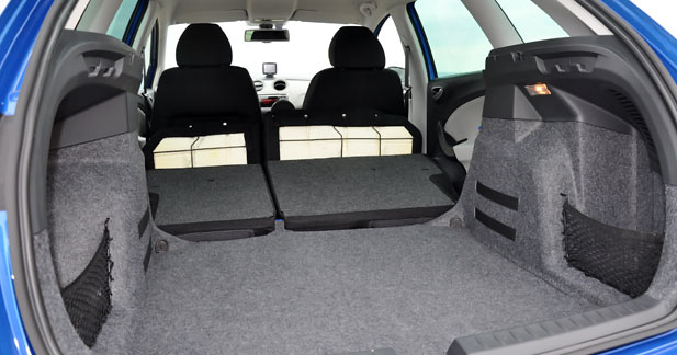 essai seat ibiza st place aux sportifs. Black Bedroom Furniture Sets. Home Design Ideas