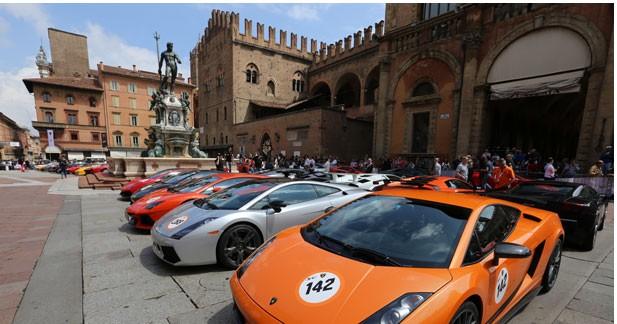 Gros succès pour la parade Lamborghini en Italie