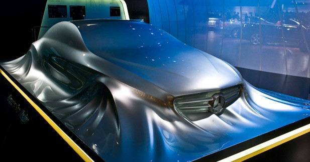 """Future Mercedes CLS : un avant-goût """"sculpté"""" à Detroit"""