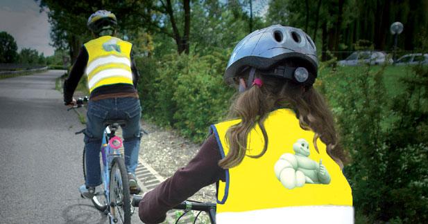 Michelin invente le gilet fluo pour enfant