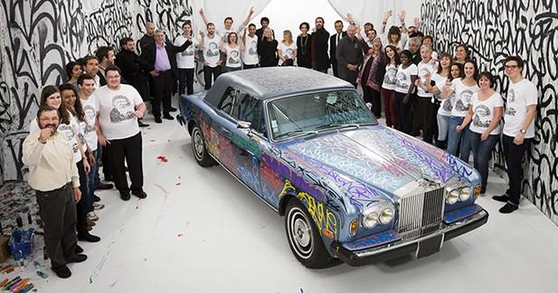 La Rolls-Royce graffée de Cantona rapporte 125 000 euros à la fondation Abbé Pierre