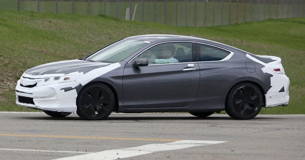 Spyshots : restylage imminent pour la Honda Accord Coupe