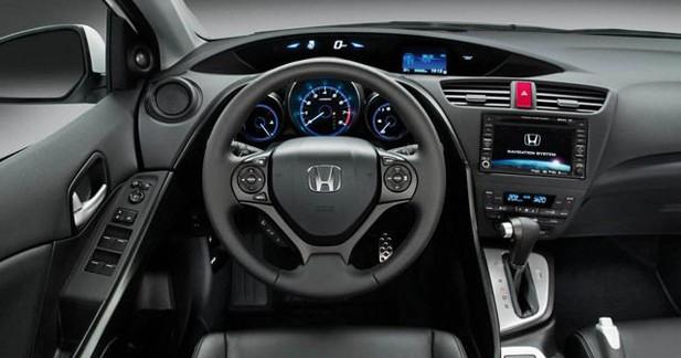 La Honda Civic 2.2 i-DTEC Executive adopte la navigation