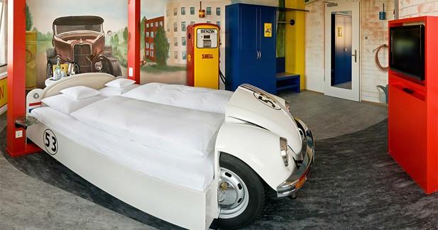 Hôtel V8 : ambiance mécanique