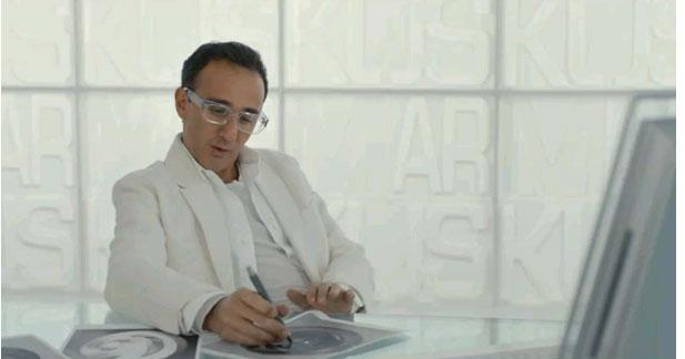Elie Semoun designer auto dans ''la chance de ma vie''