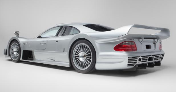 Achetez une Mercedes CLK GTR ou une Ferrari F40 à l'occasion du salon Rétromobile!