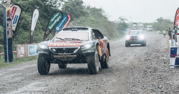 Dakar 2016: Loeb et Peugeot toujours en tête après l'étape 3