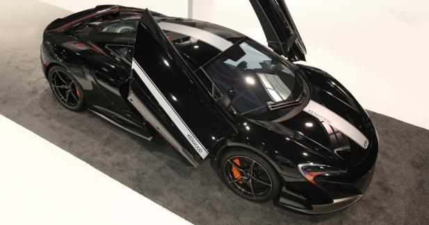La McLaren 675LT joue au geek au CES de Las Vegas