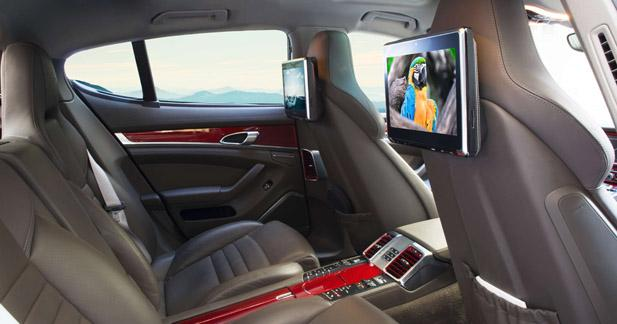 Parrot dévoilait un système multimédia premium pour les passagers arrière au CES 2016