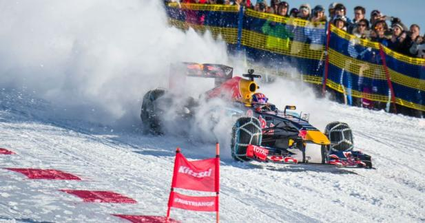 Max Verstappen tout schuss avec la Red Bull RB7