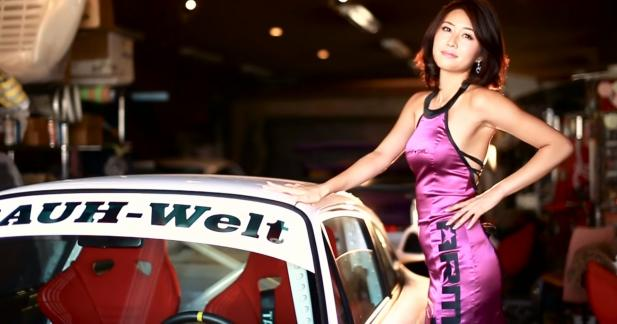 La Porsche 993 RWB se fait plus glamour grâce à Army Girl