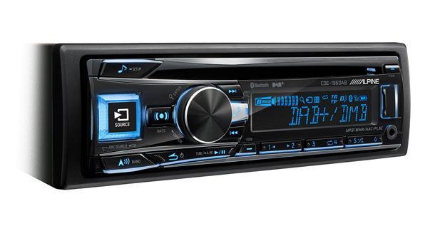 Alpine présente un nouvel autoradio CD avec tuner DAB intégré
