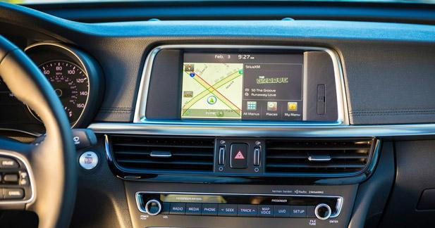 La Kia Optima Hybrid adopte le CarPlay et Android Auto