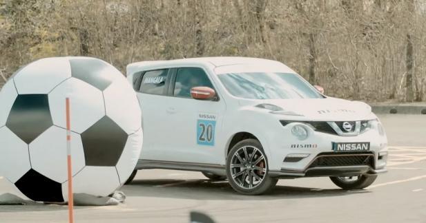 Nissan mélange drift et football pour les joueurs de Manchester