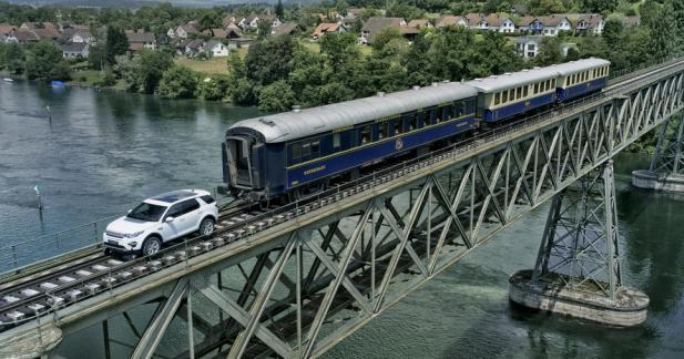 Le Land Rover Discover Sport se transforme en véritable locomotive