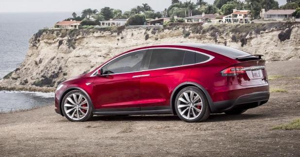 Le Tesla Model X P100D aussi de la partie