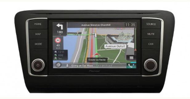 Pioneer dévoile un autoradio CarPlay « plug and play » pour la Skoda Octavia 5E