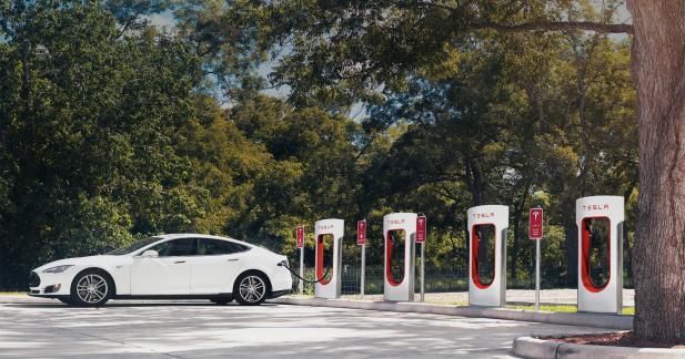Tesla : pas d'accès gratuit aux Superchargeurs pour les nouveaux clients