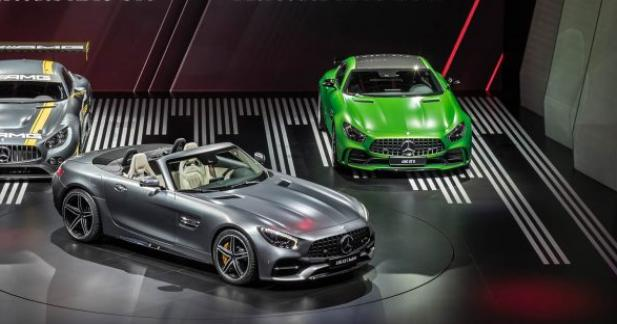 une grille tarifaire tonnante pour les mercedes amg gt roadster et gt r. Black Bedroom Furniture Sets. Home Design Ideas