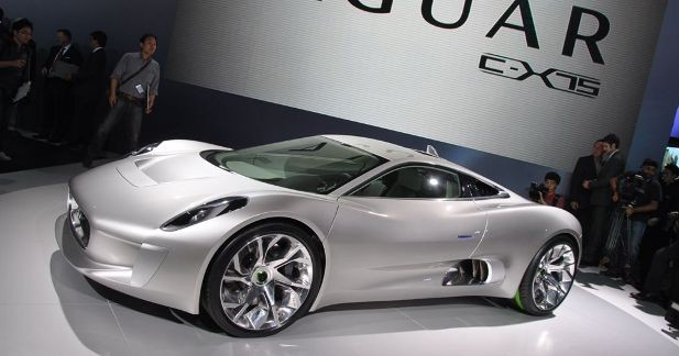 Jaguar C-X75 : un hybride coupé mais pas raté