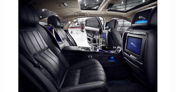 Jaguar dévoile une version encore plus luxueuse de la XJ à Pékin
