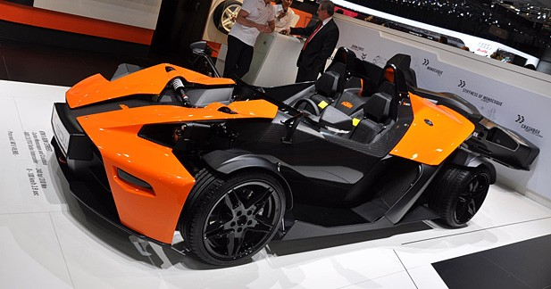 ktm x bow une moto 4 roues. Black Bedroom Furniture Sets. Home Design Ideas