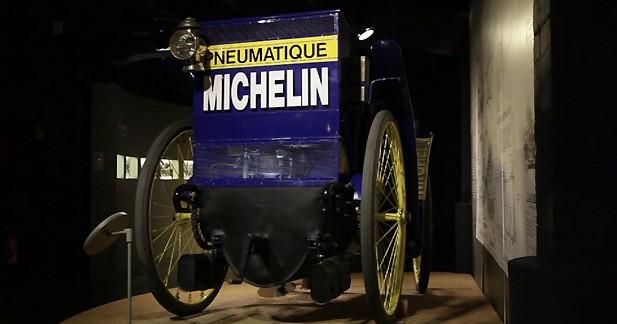 1895, invention du pneu de voiture