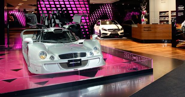 Mercedes expose ses étoiles à Paris, dont une CLK LM et une 300SL