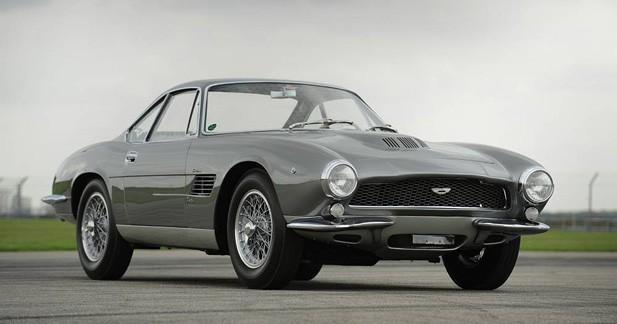 L'Aston Martin DB4 GT de la vente Bonhams a affolé les enchères
