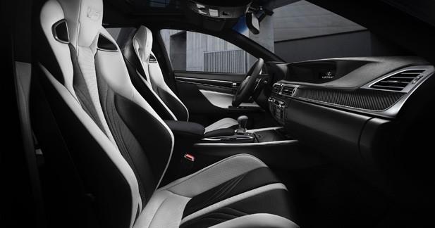 Un V8 de 473 ch seulement