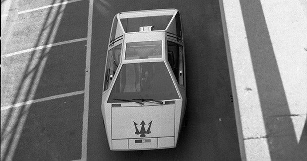 Une Maserati Boomerang aux enchères à Chantilly