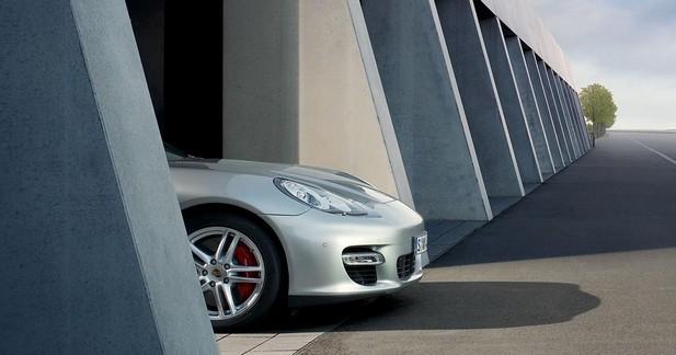 La Porsche Panamera en approche