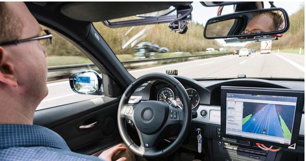 Arnaud Montebourg encourage la voiture sans chauffeur