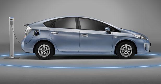 LeasePlan va proposer la Prius rechargeable en location