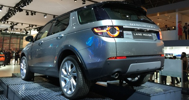 mondial auto 2014 land rover discovery sport. Black Bedroom Furniture Sets. Home Design Ideas