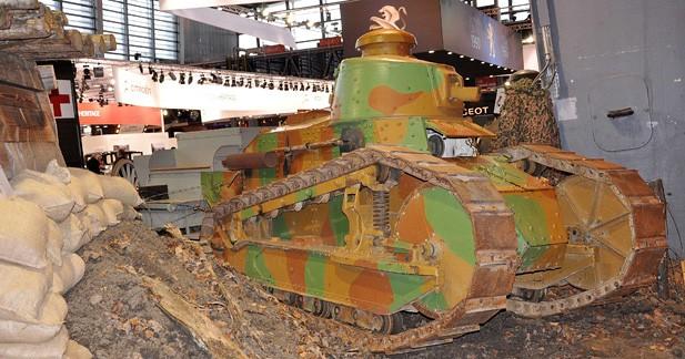 Rétromobile célèbre les véhicules de la Grande Guerre