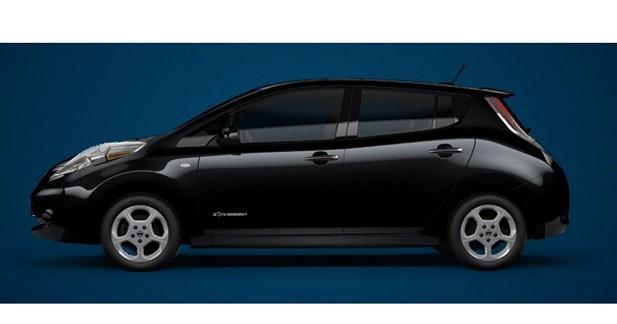 Nissan remet la première Leaf à San Francisco