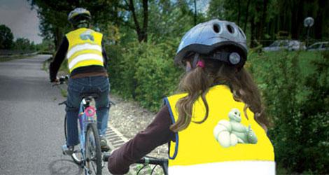Le gilet devient obligatoire pour les cyclistes - Port du gilet obligatoire ...