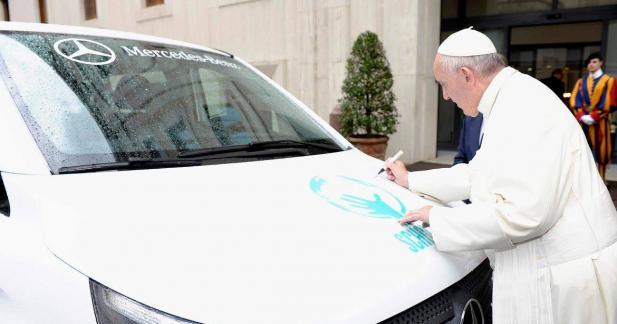 Un Mercedes Vito s'est fait bénir par le pape François