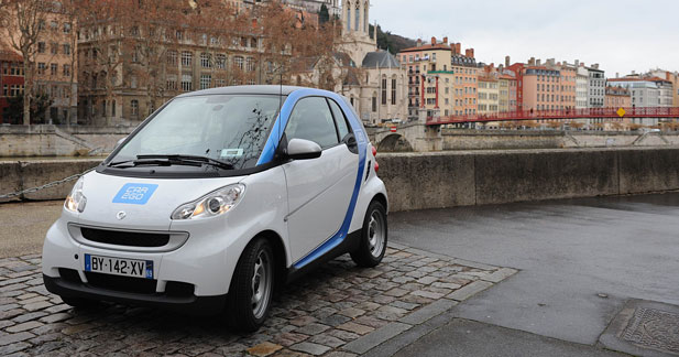 Coup d'arrêt pour Car2Go à Lyon