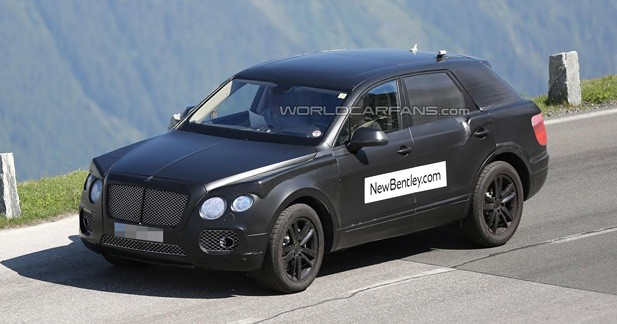 Photo volée : Bentley muscle son futur SUV !