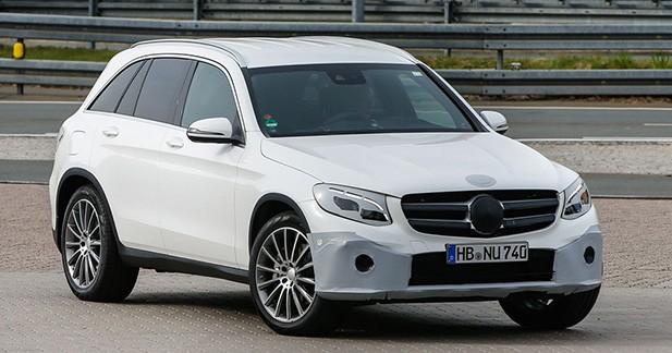 Spyshots : le nouveau Mercedes GLC retire son déguisement