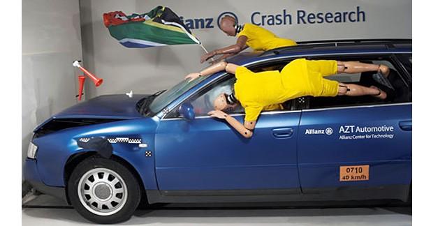 Insolite : la coupe du monde de football version crash-test