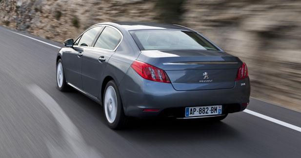 Sondage : 59 % des français prêts à acheter des voitures tricolores