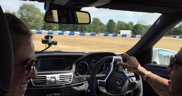 Lewis Hamilton épate la galerie en Mercedes E 63 AMG