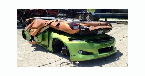 Insolite : deux Lexus passées au broyeur aux USA faute d'homologation